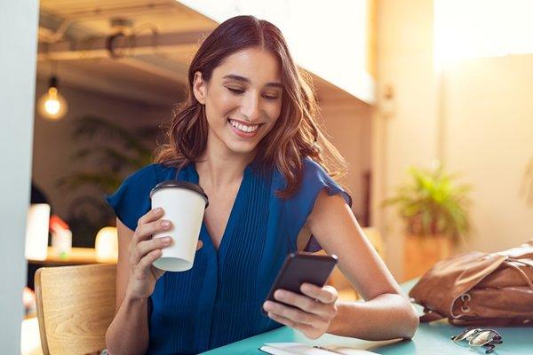 Uzun Süre Telefona Bakmak Kadınlar Için Daha Zararlı
